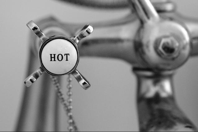 Hot tap